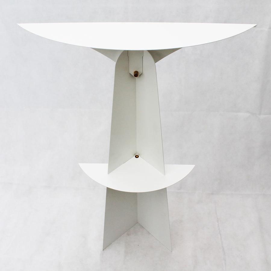 etag re sur pied blanche tag re poser design console moderne. Black Bedroom Furniture Sets. Home Design Ideas