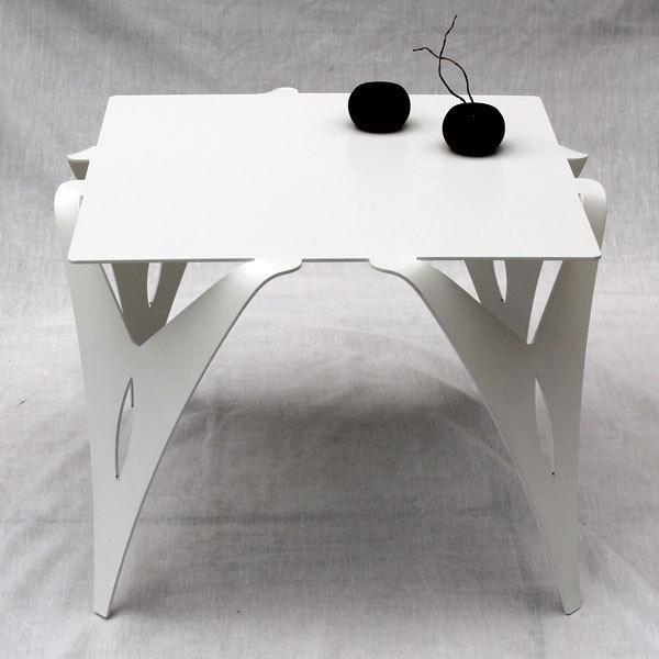 petite table de chevet blanche bout de canap blanc design. Black Bedroom Furniture Sets. Home Design Ideas